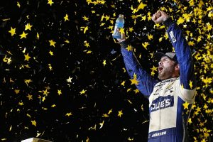 Jimmie Johnson win Nascar Race.  (autosport)